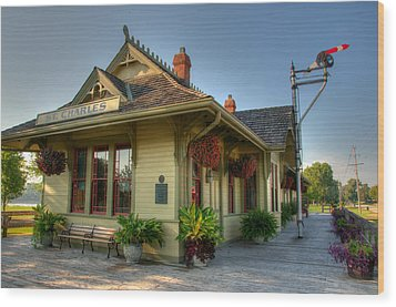 Saint Charles Station Wood Print by Steve Stuller