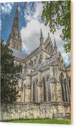 Salisbury In The Morning Wood Print by Ross Henton
