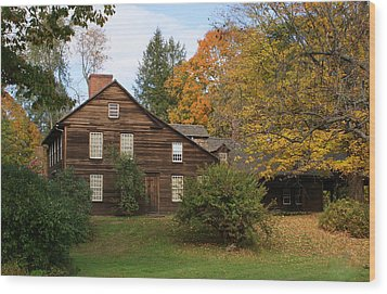Saltbox In Fall Wood Print by Lois Lepisto