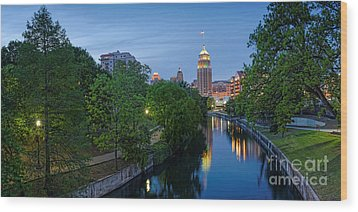 San Antonio Skyline Tower Life Building And Riverwalk From Cesar Chavez Boulevard - Texas Wood Print