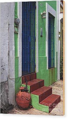 San Juan Red Stairs Wood Print by John Rizzuto