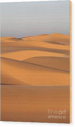 Sand Dunes In The Sahara Desert Wood Print by Robert Preston