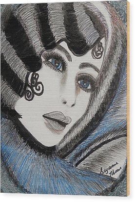 Sandy Art Deco Wood Print by Suzanne Thomas