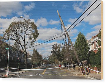 Wood Print featuring the photograph Sandy In Astoria 2 by Jim Poulos