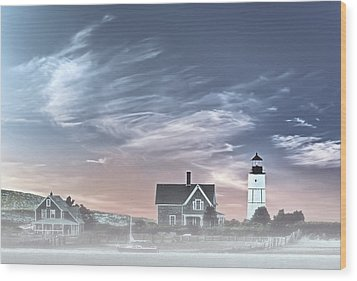 Sandy Neck Lighthouse Wood Print by Susan Candelario