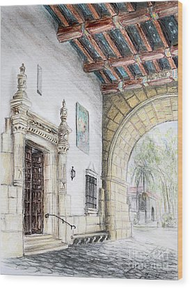 Santa Barbara Courthouse Arch Wood Print by Danuta Bennett