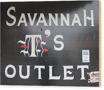 Savannah T's Outlet Wood Print by Joseph C Hinson Photography