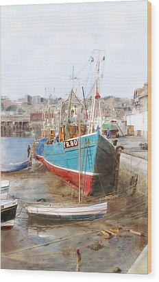 Scarborough Harbour Wood Print by Ron Harpham