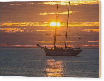 Schooner Sunset Wood Print