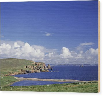 Scotland Shetland Islands Eshaness Cliffs Wood Print by Anonymous