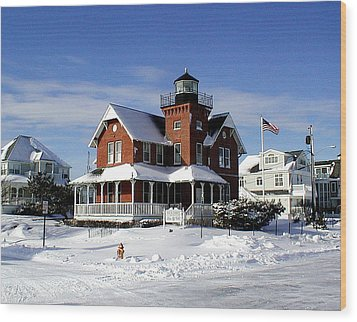 Sea Girt Lighthouse In The Snow Wood Print by Melinda Saminski