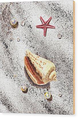 Sea Shells Pearls Water Drops And Seastar  Wood Print by Irina Sztukowski