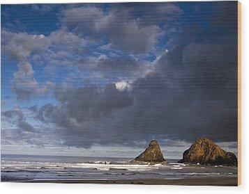 Sea Stacks At Dawn Wood Print by Andrew Soundarajan