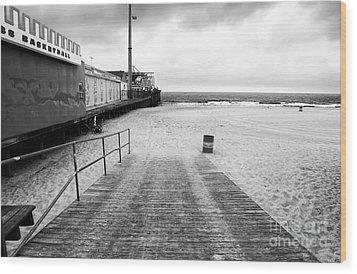 Seaside Heights Beach In Black And White Wood Print by John Rizzuto
