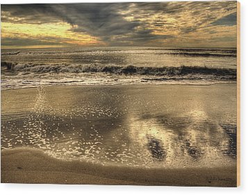 Wood Print featuring the photograph Seaside Sunset by Julis Simo