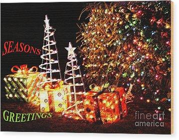 Seasons Greetings Card Wood Print by Gary Brandes