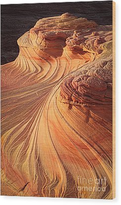 Second Wave Flow Wood Print by Inge Johnsson