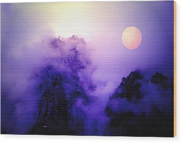 Sentinal Rock And Moon Shrouded In Mist Wood Print