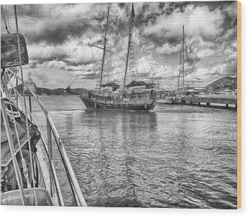 Wood Print featuring the photograph Setting Sail by Howard Salmon