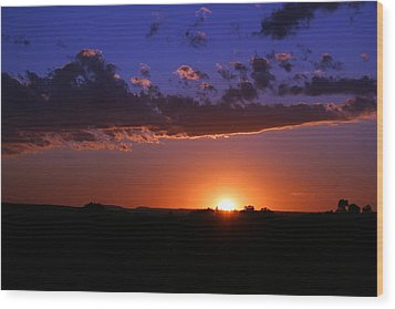 Setting The Western Sky Wood Print by Michele Richter
