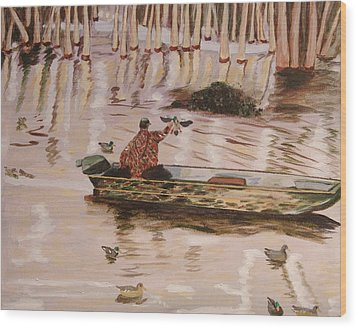 Setting Up In A Tupelo Swamp Wood Print by Kevin Callahan