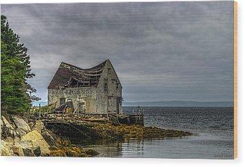 Shack By The Sea Wood Print by Ken Morris