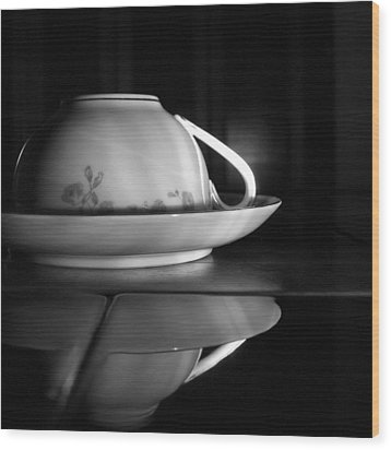 Shadows 2 Wood Print by Tom Druin