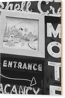Shell Crest Motel Wood Print by Gail Lawnicki