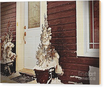 Shelter From The Storm - Blizzard - Snow Storm Wood Print by Barbara Griffin