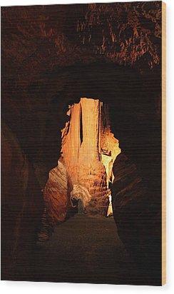 Shenandoah Caverns - 121269 Wood Print by DC Photographer