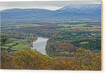 Shenandoah Fall And Winter Wood Print by Lara Ellis
