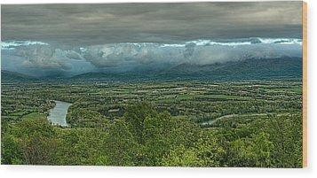 Shenandoah Green Valley Wood Print by Lara Ellis