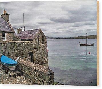 Shetland Lodberry Wood Print by Lynn Bolt