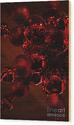 Shimmer In Red Wood Print by Linda Shafer