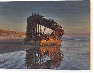 Shipwreck At Sunset Wood Print by Mark Kiver