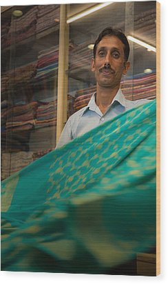 Shopkeeper - India Wood Print
