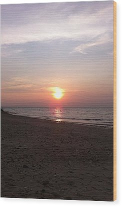 Short Beach  Long Island Wood Print by Julia Gatti