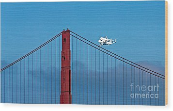 Shuttle Endeavour At The Golden Gate Wood Print by Kate Brown