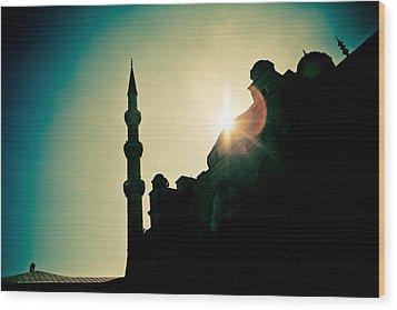 Silhouettes Of Blue Mosque Istambul Turkey Wood Print by Raimond Klavins