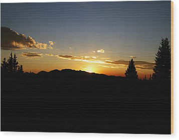 Simple Sunset Wood Print by Jeremy Rhoades