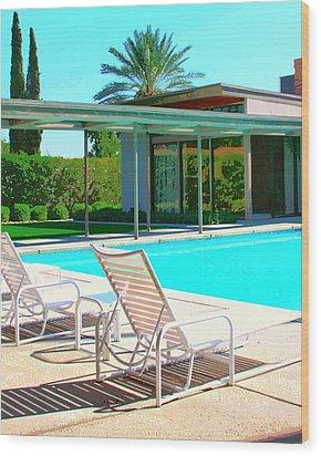 Sinatra Pool Palm Springs Wood Print by William Dey