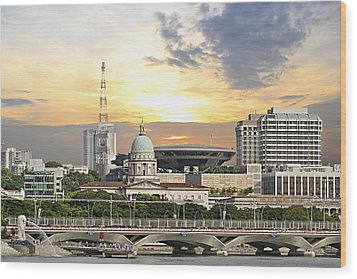 Singapore Parliament Building And Supreme Law Court  Wood Print by David Gn