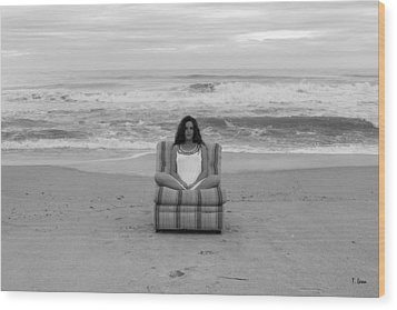 Sittinng On The Beach Wood Print by Thomas Leon