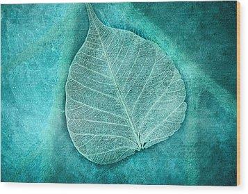 Skeletal Leaf Wood Print by Bonnie Bruno