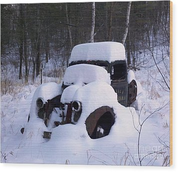 Ski Towtruck Wood Print by Polly Anna