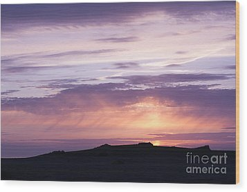 Skomer Sunset Wood Print by Anne Gilbert
