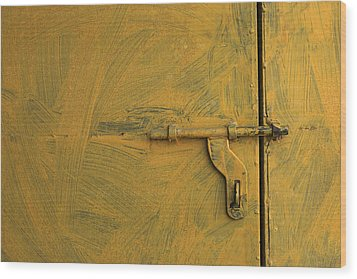 Skc 0047 The Door Latch Wood Print by Sunil Kapadia