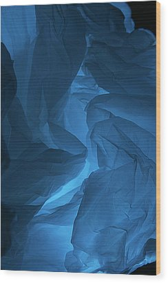 Skc 0247 A Mystery In Blue Wood Print by Sunil Kapadia