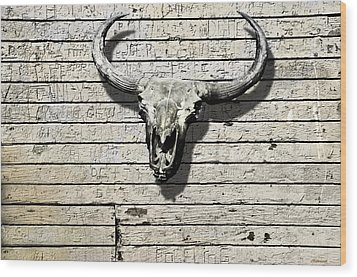 Skull And Horns Wood Print by Larry Butterworth