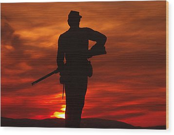 Sky Fire - 111th New York Infantry Hancock Avenue Brian Farm Cemetery Ridge Sunset Winter Gettysburg Wood Print by Michael Mazaika